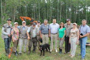 The 2015 search team being visited by the assistant mayor of Perm (fifth from right).
