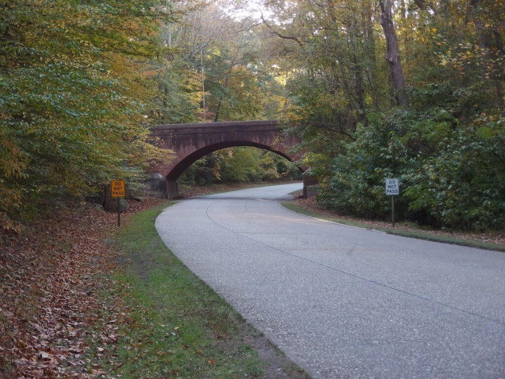 Colonial Parkway 2