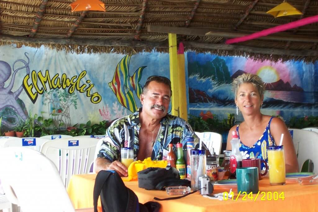 Tom and Jackie enjoy a meal in Mexico. Photo by Charles Silvers